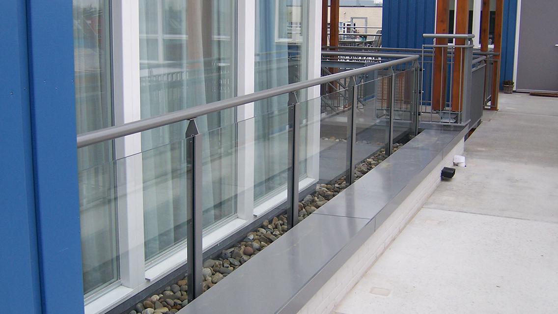 Balkon hekwerk glas1
